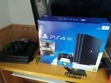 Playstation 4 pro + 3 Juegos + Cascos - foto
