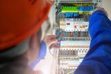 Electricista averias y Montajes - foto