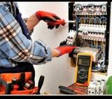 Electricista económico y titulado.  - foto