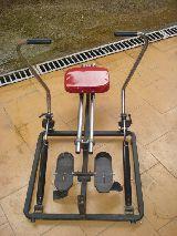 Maquina de remo para gimnasia - foto